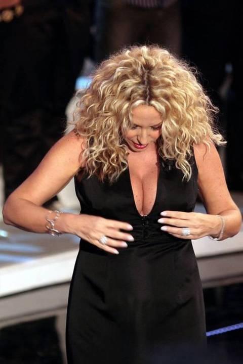 Sexy Antonella Clerici 45