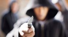 Aggredita e rapinata con un coltello alla gola da due 17enni kosovari