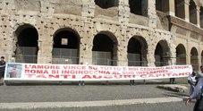 immagine Il compleanno di Totti, l'omaggio della città negli striscioni