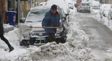 Fino a un metro e mezzo di neve e blackout autostrada a rischio chiusura per i tir La Protezione civile chiama l'Esercito