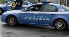 Rivendono cellulare rubato due arresti per ricettazione aggravata