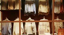 Rivendeva i capi griffati dei clienti:  spedizioniere intasca 82mila euro