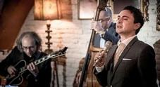 Un omaggio a The Voice con il Skyline Jazz Trio Serata al Golden Cadillac