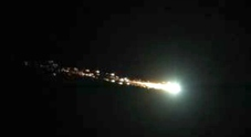 Un'altra palla di fuoco in cielo «L'ho vista alle tre di notte Ero in auto, impressionante»