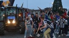 Maxischermo per il derby Rovigo-Padova, ma caos di auto: c'è la festa scudetto della Juve