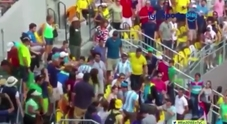 Rio, botte tra due tifosi durante un match di tennis