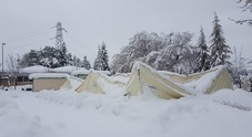 Terremoto e neve: crolla la tensostruttura adibita ad asilo a Pieve Torina