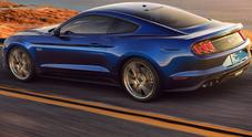 Ford Mustang, sempre più performante: look e dotazioni nuove, c'è il cambio a 10 rapporti
