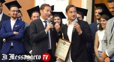 """Totti diventa """"dottore"""" al master Benetton di Ca' Foscari e scherza con il congiuntivo"""