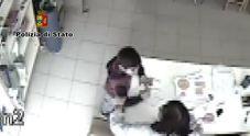Una foto d'archivio di maltrattamenti in una scuola materna