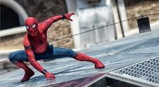 Spiderman sui tetti di Roma: l'incontro con l'attore e il regista del
