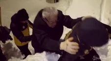 Salvataggio all'hotel Rigopiano: i soccorsi arrivano sugli sci