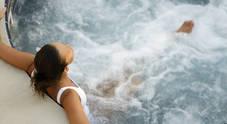 Puliscono la piscina e i fumi di cloro intossicano 7 ospiti di un hotel