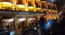 L'arrivo di Maradona in hotel a Napoli