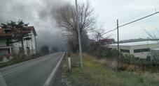 Scintilla dalla stufa elettrica incendia il capanno Paura per un artigiano