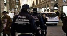 Immagine Ubriachi sfuggono vigili in auto poi li aggrediscono