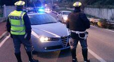 Dalle mutande di due giovani spuntano eroina e una siringa Sequestro e multa