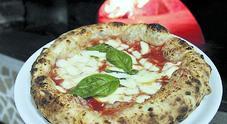 Pizza a canotto, il segno culturale segno della nuova generazione