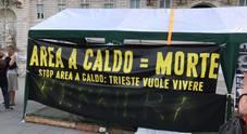 Presidio permanente anti-Ferriera in piazza: «Di area a caldo si muore»