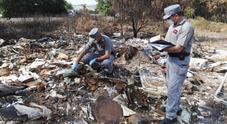Sequestrata una discarica abusiva: nell'area venivano bruciati rifiuti tossici