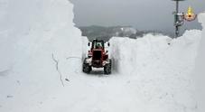 Liberate sei persone  intrappolate dalla neve  portate in salvo in elicottero