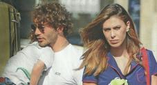 Belen e Stefano, musi lunghi con il figlio Santiago prima della partenza