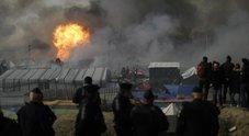 Calais, i migranti rientrano nella «giungla»