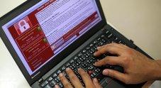 Attacco hacker su scala mondiale, i paesi colpiti salgono a 99. Europol: «Caso senza precedenti». Un eroe per caso rallenta il virus