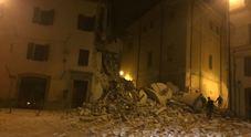 Scossa di terremoto magnitudo 5.9 La terra trema ancora: un morto nelle Marche