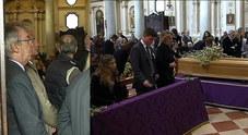 Folla per l'addio a Dino Marchiorello  Anche Massimo Moratti al funerale