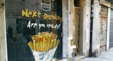 Strage di negozi storici: addio pasticceria, orafo e panettiere. Arrivano le patatine fritte