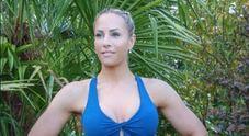La bomboletta di panna esplode, morta la regina del fitness Rebecca Burger /Foto