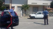 Controlli dei carabinieri su alcune auto sospette con l'aiuto di un'App
