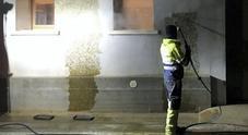 Letame sui muri, ripulita la chiesetta di S. Sebastiano. Si contano i danni