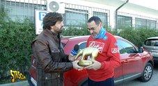 immagine Sarri riceve il Tapiro d'oro, guarda il video di Striscia la Notizia