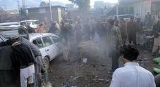 Bomba in Pakistan: almeno 25 morti, 70 feriti