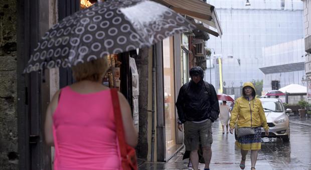 Maltempo, nuova allerta meteo in Campania: ecco la durata