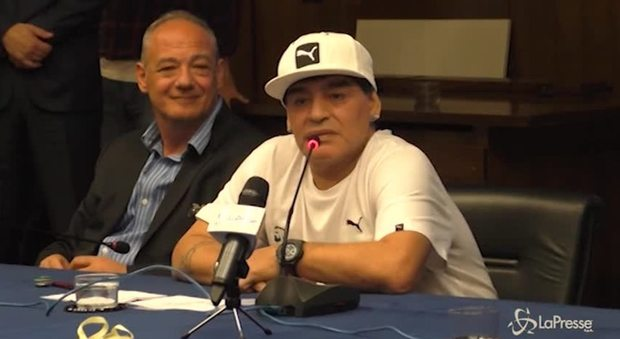 immagine Napoli, Maradona vuole la cittadinanza onoraria