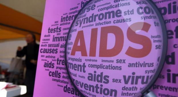 Aids, allarme dell'Oms: in Europa 122mila sieropositivi: uno su 7 non sa di esserlo