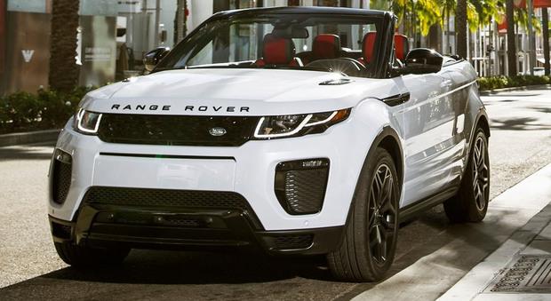 La nuova Evoque Convertible, prima Range Rover convertible di serie mai prodotta e primo Suv compatto di lusso cabrio del mondo, è un fuoristrada a tutti gli effetti