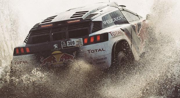 Un passaggio impegnativo per la Peugeot 3008 DKR di Loeb