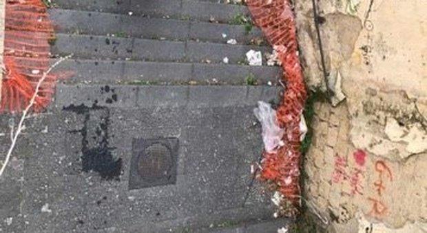 La tua segnalazione | Le scalette del Vomero in degrado assoluto