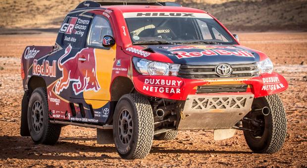 Il nuovo Toyota Hilux pronto per la Dakar 2017
