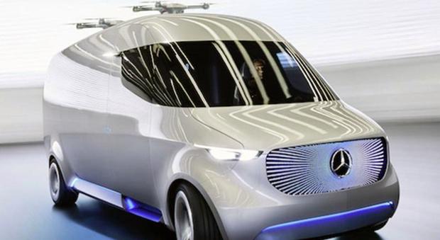 Il Mercedes Vision Van il furgone con due droni sul tetto per le consegne a domicilio