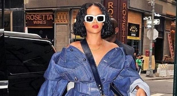 Rihanna è ingrassata e non lo nasconde. E i fan la amano di più Foto