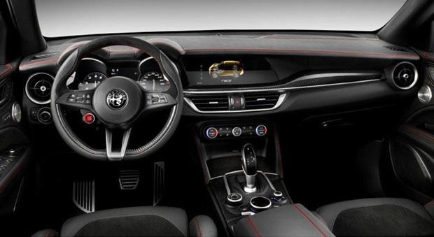 Gli interni dell'Alfa Romeo Stelvio