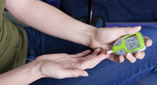 Diabete, le donne muoiono di più: meno attenzione alle cure