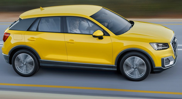 La nuova Audi Q2 è lunga 4,19 metri, circa 20 cm in meno rispetto alla Q3, ma offre un identico passo di 2,6 metri per massimizzare l'abitabilità interna.