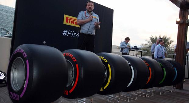 Il direttore Motorsport Pirelli Paul Hembery presenta i nuovi pneumatici Pirelli per la stagione 2017 di F1