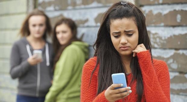 Cyberbullismo, il pediatra: «I segnali sulle vittime ci sono, ma bisogna intervenire in tempo»